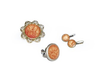 Resin cinnamon earrings. Cinammon jewelry. Resin adjustable ring. Brooch. Cinammon and bronze. Adjustable ring. Earrings. Summer fashion.