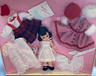 Madame Alexander Wendy Loves Being Loved, Ltd. Edition Gift Set ~ Original, Mint, RARE, Never Opened
