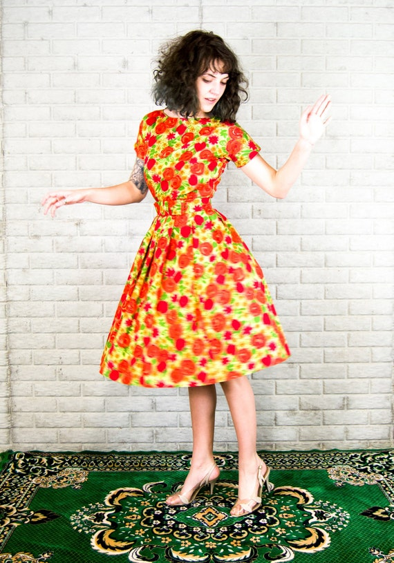 Marigold - 1950's dress rose print - red 50s swing