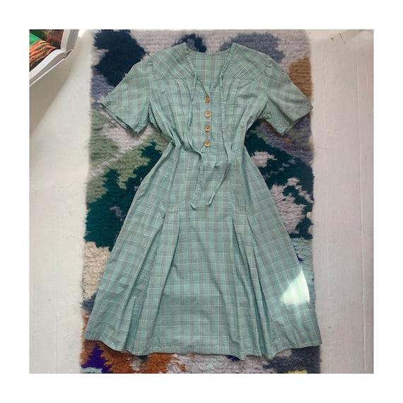 vintage 1930s plaid cotton feedsack work dress day