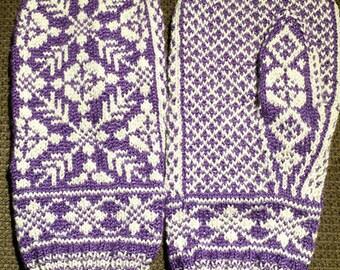 Scandinavian Dress Mittens
