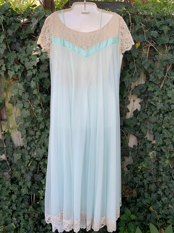 Something blue 1960s two-piece Peignoir by Lucie … - image 6