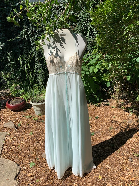Something blue 1960s two-piece Peignoir by Lucie … - image 9