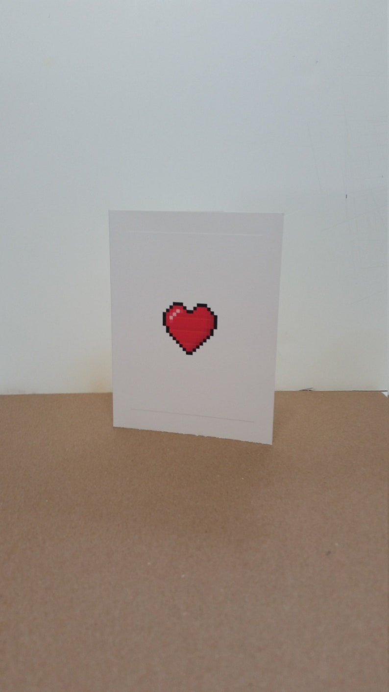 8-Bit Heart Note Card image 0