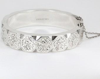 Vintage Sterling Silver Detailed Bangle