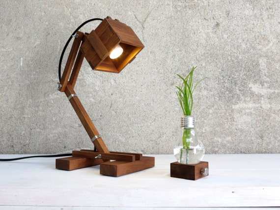 Desk and tables lights for all the interiors meubles et design