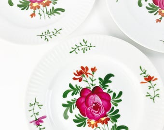 3 Hand painted vintage plates, 70s, serving