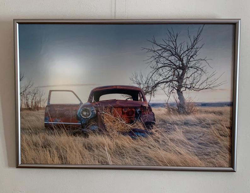 Abandoned car image 0