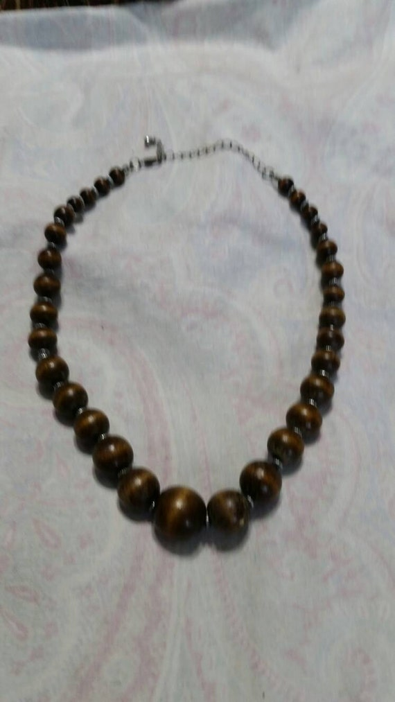 On Sale Unisex 16 inch Shell Necklace Island Style Fashion Accessory Costume Jewelry with Wooden Brown Bead