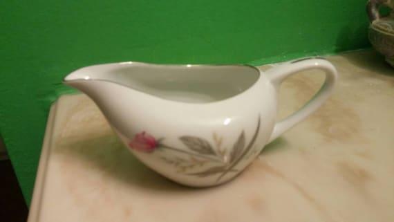 En vente Windsor Rose porcelaine Fine crémier ou plat de remplacement pour le pichet sirop