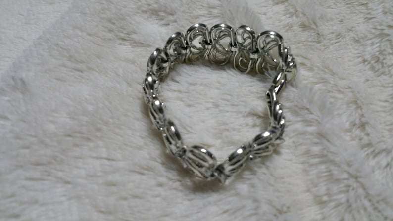 On Sale Signed Coro Heart Link Silver Toned Rhodium Clasp Bracelet Costume Jewelry Fashion Accessory