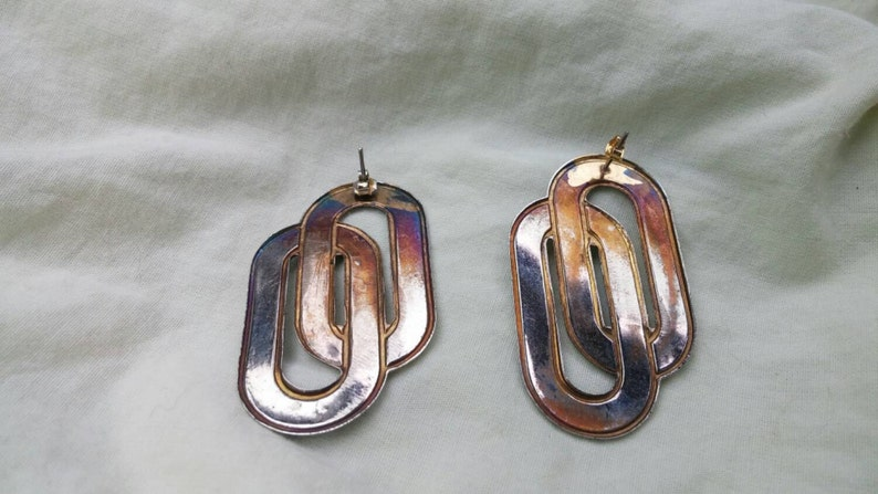 On Sale Art Deco Style Oval Blue and Off White Rounded Earrings Costume Jewelry Fashion Accessory