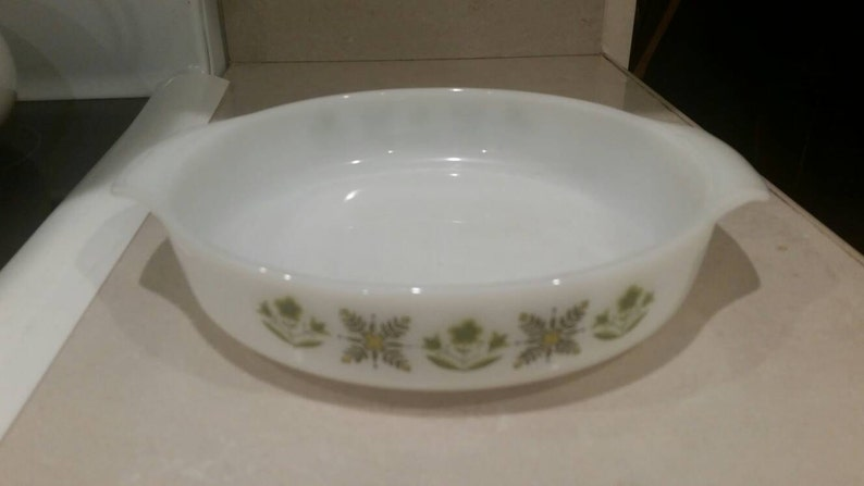 On Sale Rare Vintage Kitchen Anchor Hocking Suburbia Round Casserole Dish Meadow Green White Glass Oven Proof 1