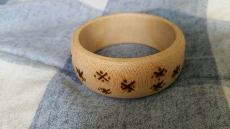 On Sale Beautiful Hand Carved Wooden Bangle Bracelet with Criss Cross Pattern Costume Jewelry Fashion Accessory