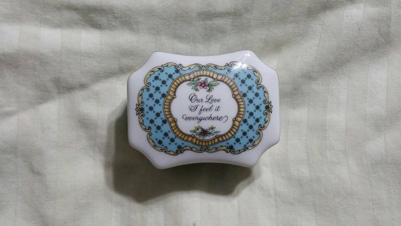 On Sale Kate Lloyd Jones Melodies of Love Porcelain Small Our Love I feel it Everywhere Working Music Box or Jewelry Box or Ring Holder