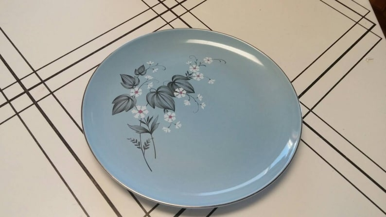 On Sale Blue Black and Gray Taylor Smith Taylor 9 inch Versatile Luncheon Plate with White Flowers