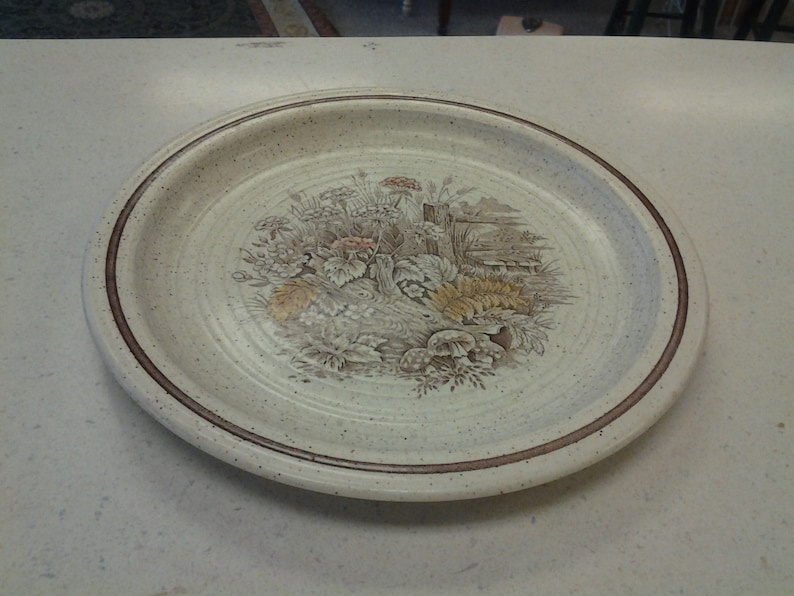 On Sale Churchill Homespun Stonecast 10 inch Dinner Plate Made in England with Country Scene