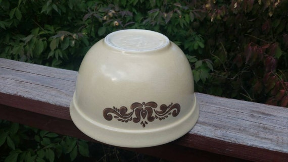 On Sale Pfaltzgraff Village Design 9.80 inch  Round Mixing or PastaFruit Bowl and Brown Flowers YellowGold 6 11