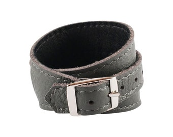 Crop Cuff in Storm Grey leather