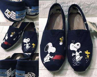 b15e8634ec Peanuts gang. Snoopy shoes. Snoopy Toms. Woodstock shoes. Can be made into  Peanuts Vans or Peanuts Converse.