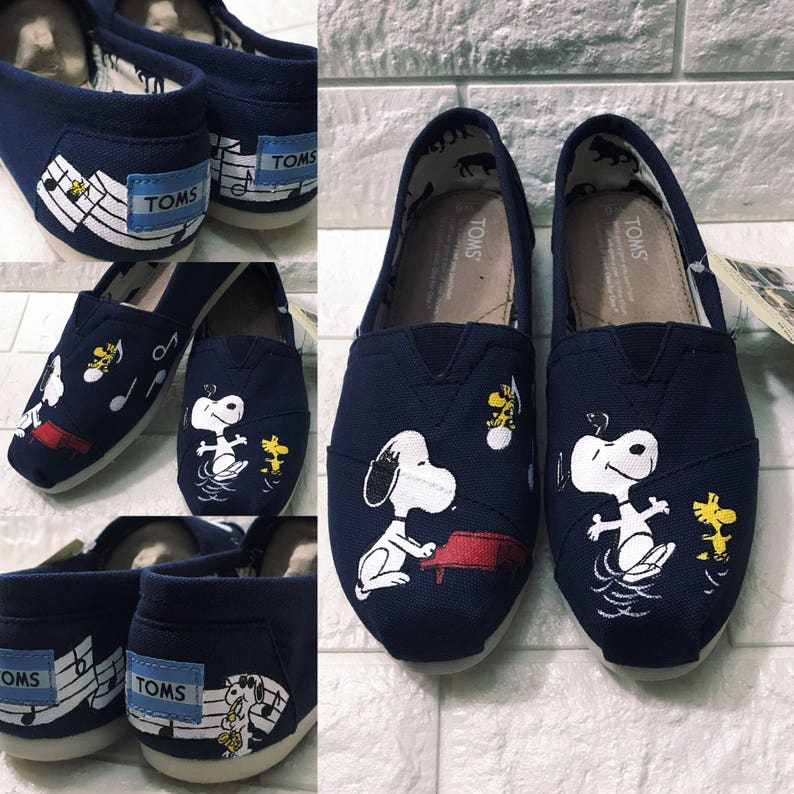 05c11dfa94 Snoopy   Woodstock Toms.Peanuts gang. Snoopy shoes. Snoopy