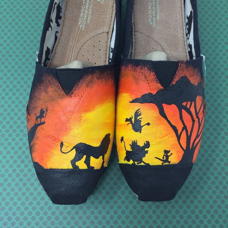 866f1c6909 Lion King Toms. Lion King Shoes. Hakuna Matata Toms. Simba