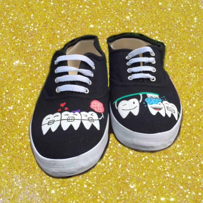 Süße Zahnschuhe [Zahnarztschuhe] Dental Hygienist Schuhe.