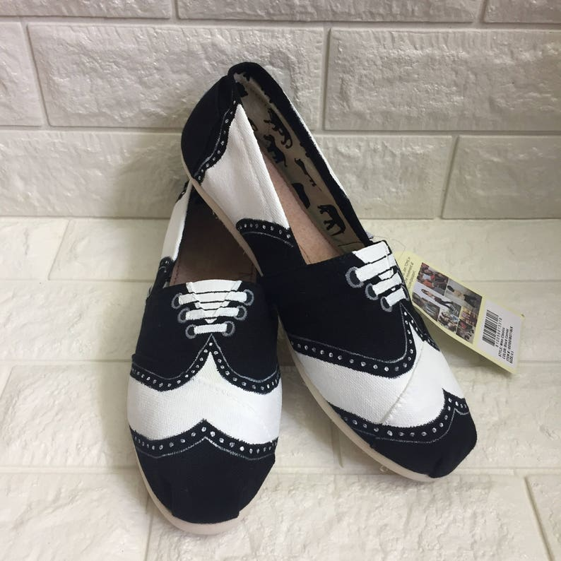 brand new 3a605 99064 Rockabilly Toms. Saddle Shoes Toms. Wingtip toms. Wingtip shoes Toms.  Painted saddle shoes. Wingtip shoes Wingtip sneakers Diner Toms
