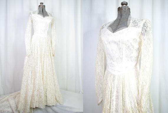 Vintage Wedding Dress/ 1940s Simple Lace Wedding D