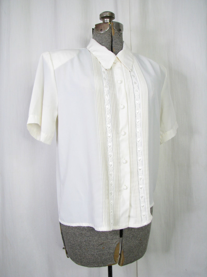 Vintage Blouse 1980s Large Ruffle Front Top with Strong Shoulders 1940s Style Blouse
