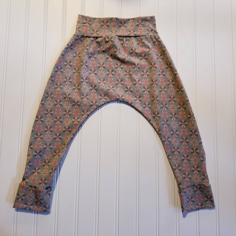 12-18m  Peachy Daisy's on Grey Harem Pants Baby and Kids image 0