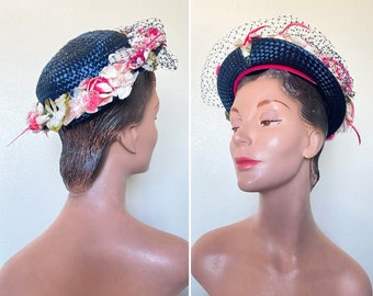 Vintage 1950s Hat / 50s straw flower hat / Navy blue / Pink flowers / lovely
