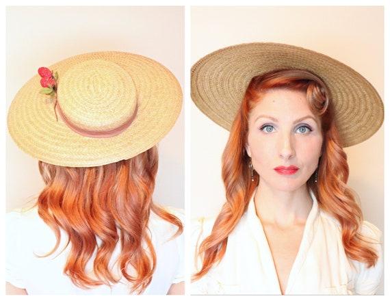 Vintage 1940s hat / Wide brim / Strawberries / 40s