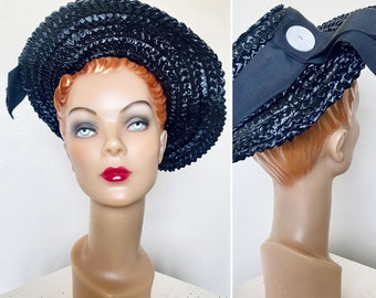 Vintage 1950s Hat / 50s straw hat / Black raffia / Classic silhouette