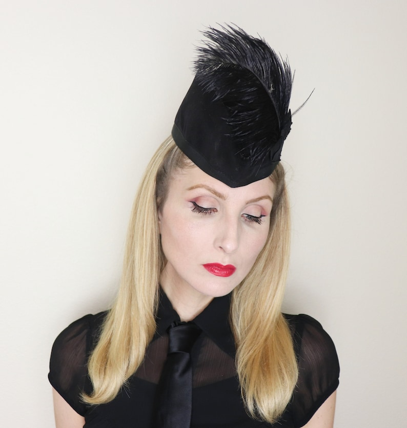 Vintage 1940s Hat / 40s Velvet hat / Glengarry style hat / image 0