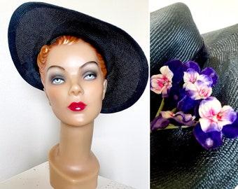 Vintage 1940s Hat / 40s straw hat / Black with violets / Picture Hat / Wide brim