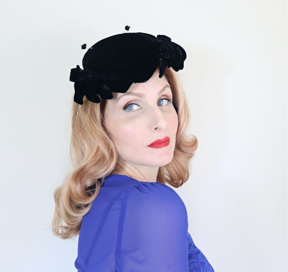 Vintage 1950s Hat Black Velvet Widows Peak Bows Etsy