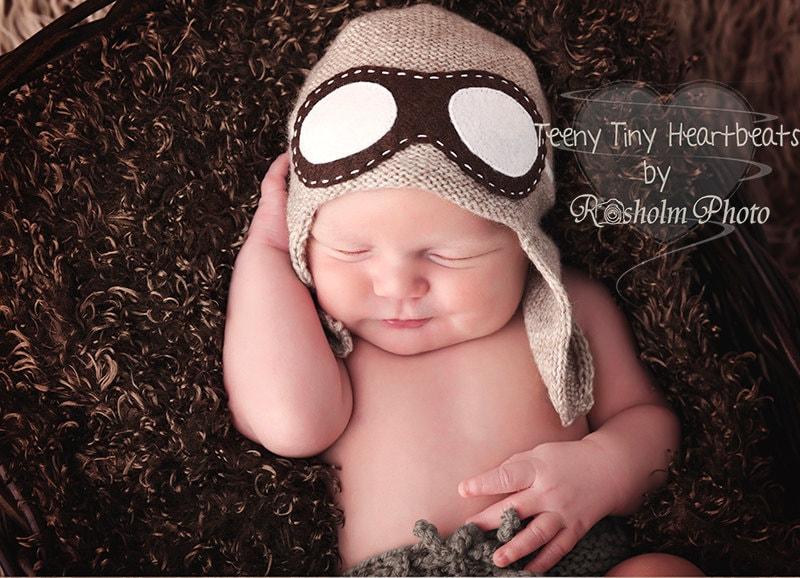 2fb7d4b30f8 Aviator hat with goggles - Newborn aviator hat - Baby Pilot hat - Baby  Flyer knit hat - Pilot ...