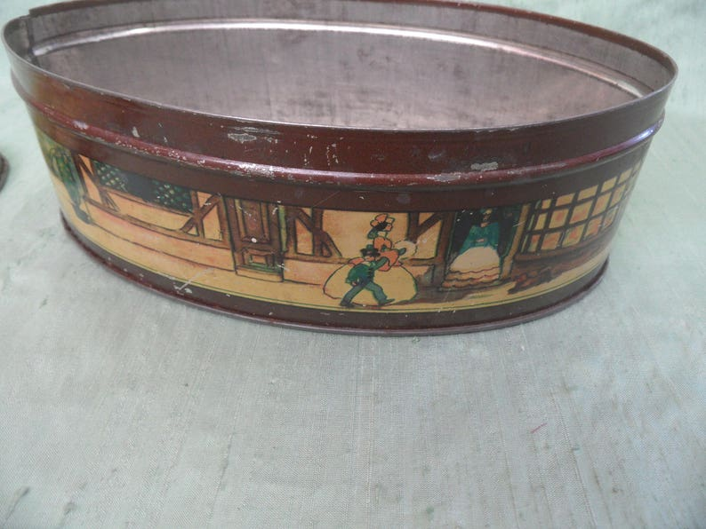 Mr Pickwick/'s Arrival oval tin  vintage Thorne/'s toffee tin  English Dickens character