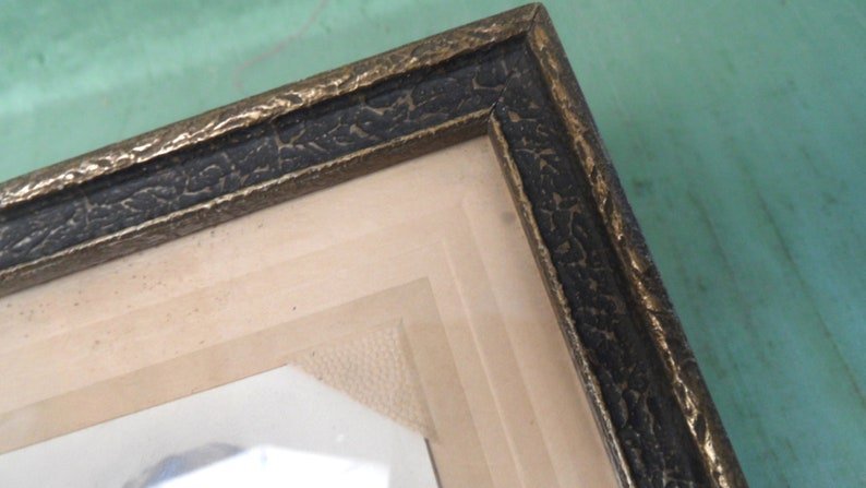 Textured wood frame  vintage antique 6.5 x 9.5 picture frame w glass  old sister photo picture