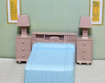 Marx Contemporary soft plastic dollhouse furniture Bed, 1/2 or 1:24 inch scale
