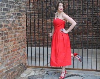 c1e366e4241 Red strapless dress