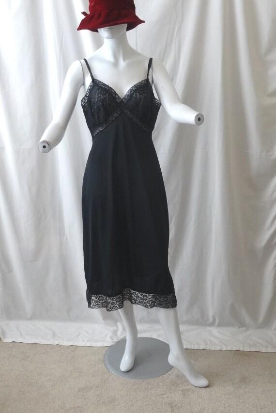 des années 1950 vintage Van Raalte plein noir taille 36, en Nylon avec bordure en dentelle large & corsage, Opaquelon, vêtements Vintage, léger défaut ou jupon, combinaison