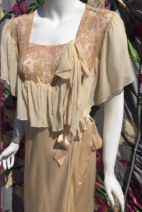 30's Satin and Lace Dressing Gown