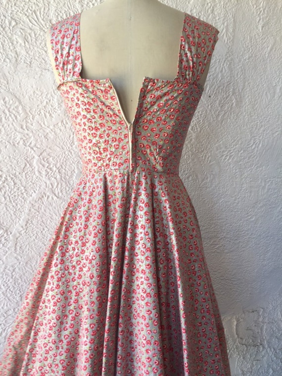 50's Silver Sundress with Calico Rose Print - image 7