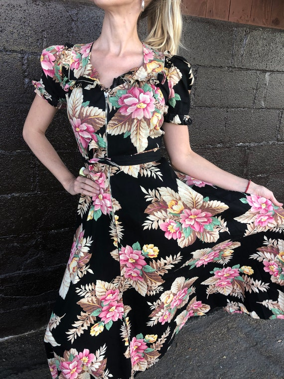 Early 40's Tropical Floral Print House Dress
