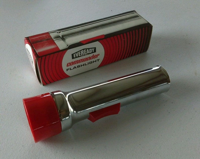 Free Shipping Vintage Eveready Flashlight  5251 2 D Cell Old image 0