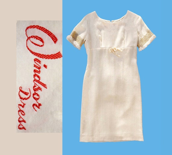 SALE 1950s Cream Winter Snow Windsor Dress with Go