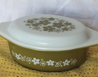 Gorgeous Vintage 043 Spring Blossom 1 1/2 Quart Casserole and Lid by Pyrex