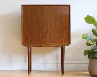 Mid Century Modern Illum Wikkelsø Danish Rosewood Dry Bar Cabinet